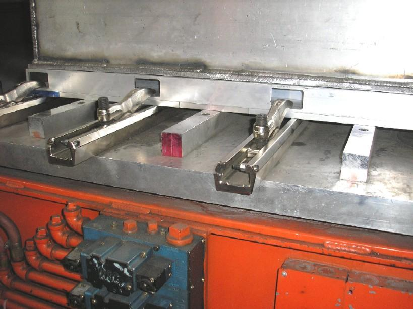 Quick Change Mold Clamping System